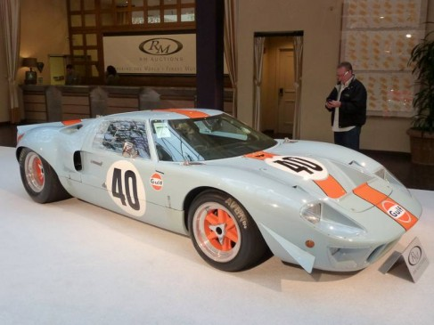 1968 Ford GT40 Gulf Mirage Lightweight Racing Car