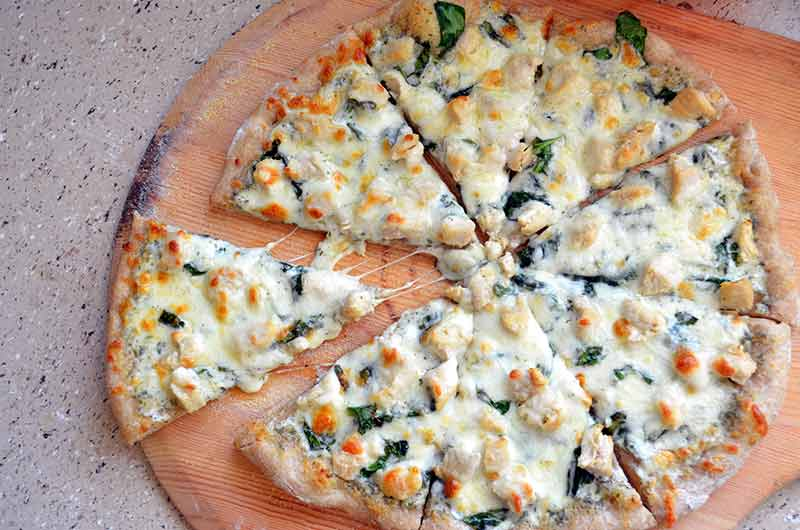 tavuklu-ispanakli-pizza