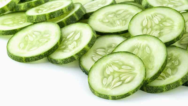 Salatalık baş ağrısına iyi gelir.