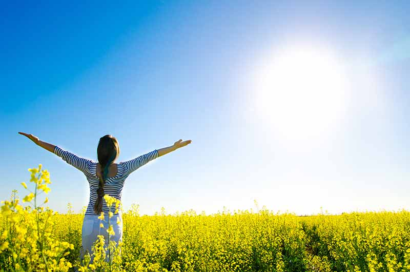 Güneş ışığı, D vitamini üretimine yardımcı olmaktadır.