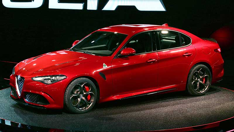 12 - Alfa-Romeo-Giulia